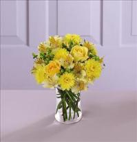 The FTD® Sunny Day™ Bouquet - Deluxe by Suinshine Florist